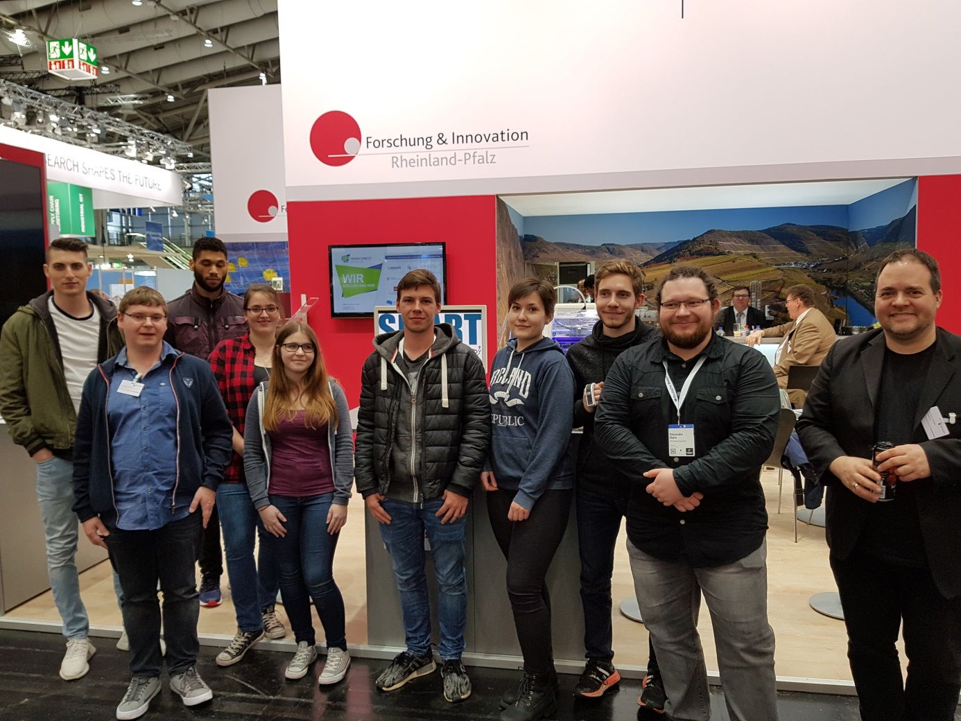 D:\Dropbox\share\fh\Smart Machines\Hannover Messe 2019\Bilder\20190404_160928.jpg
